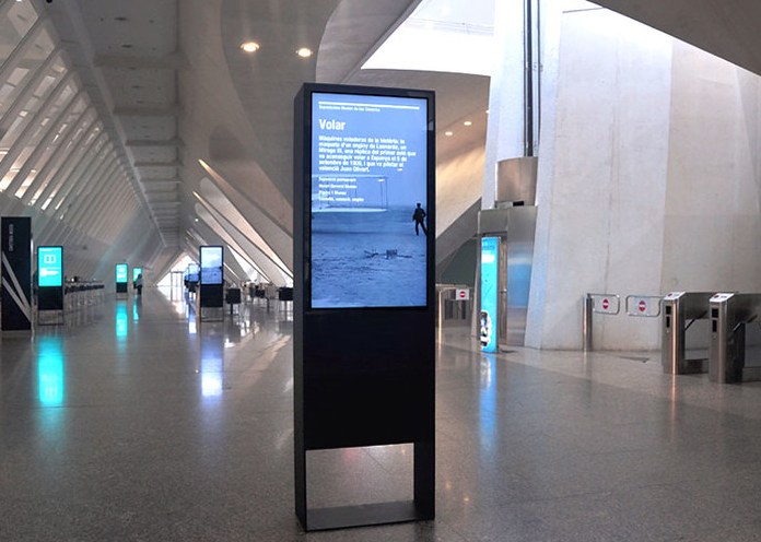 LCD presentation screens